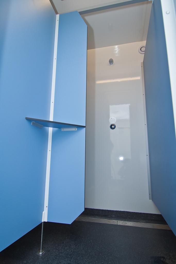 Einheiten mit 8 Duschen – Post Sanitairverhuur